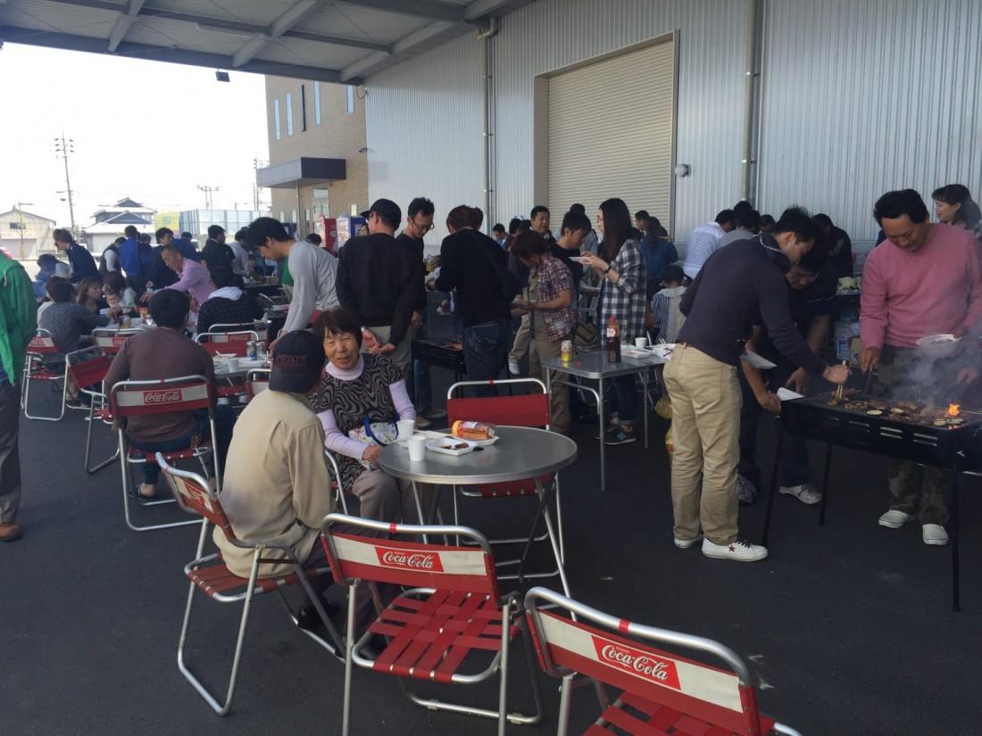 岡田商運、本社にてバーベキュー大会を開催