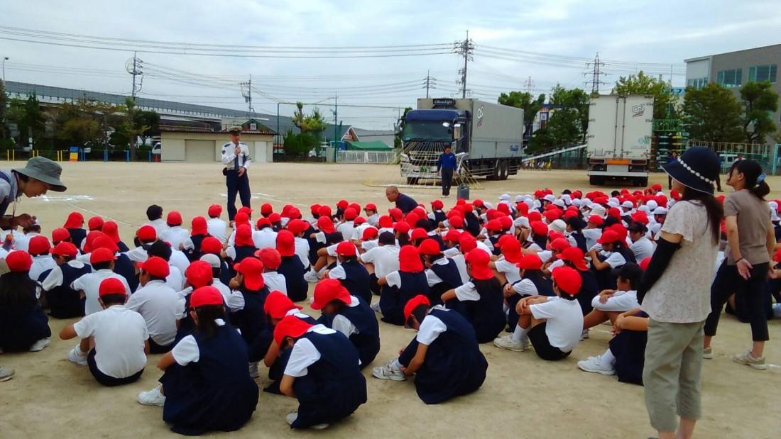 、岡山市の福浜小学校で交通安全教室を開催