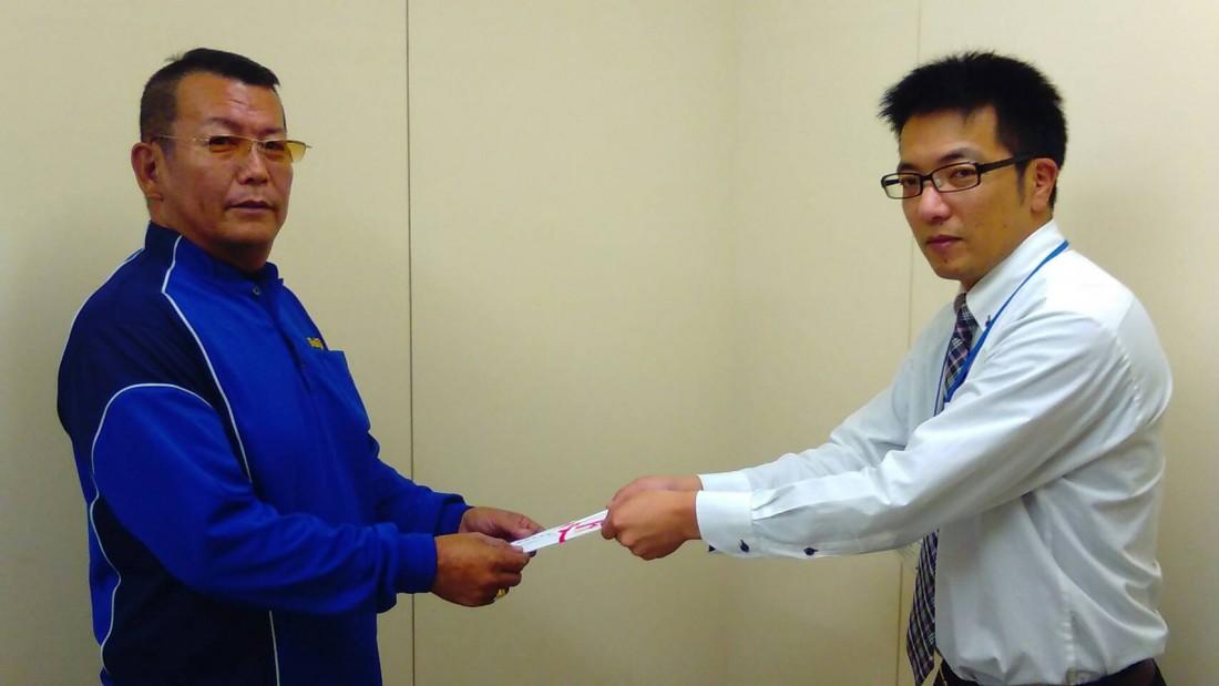 小田孝ドライバーは、 埼玉営業所の井上尚信ドライバーを紹介しました。