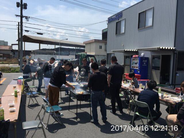 岡山勝央営業所にて、バーベキュー大会を開催致しました。