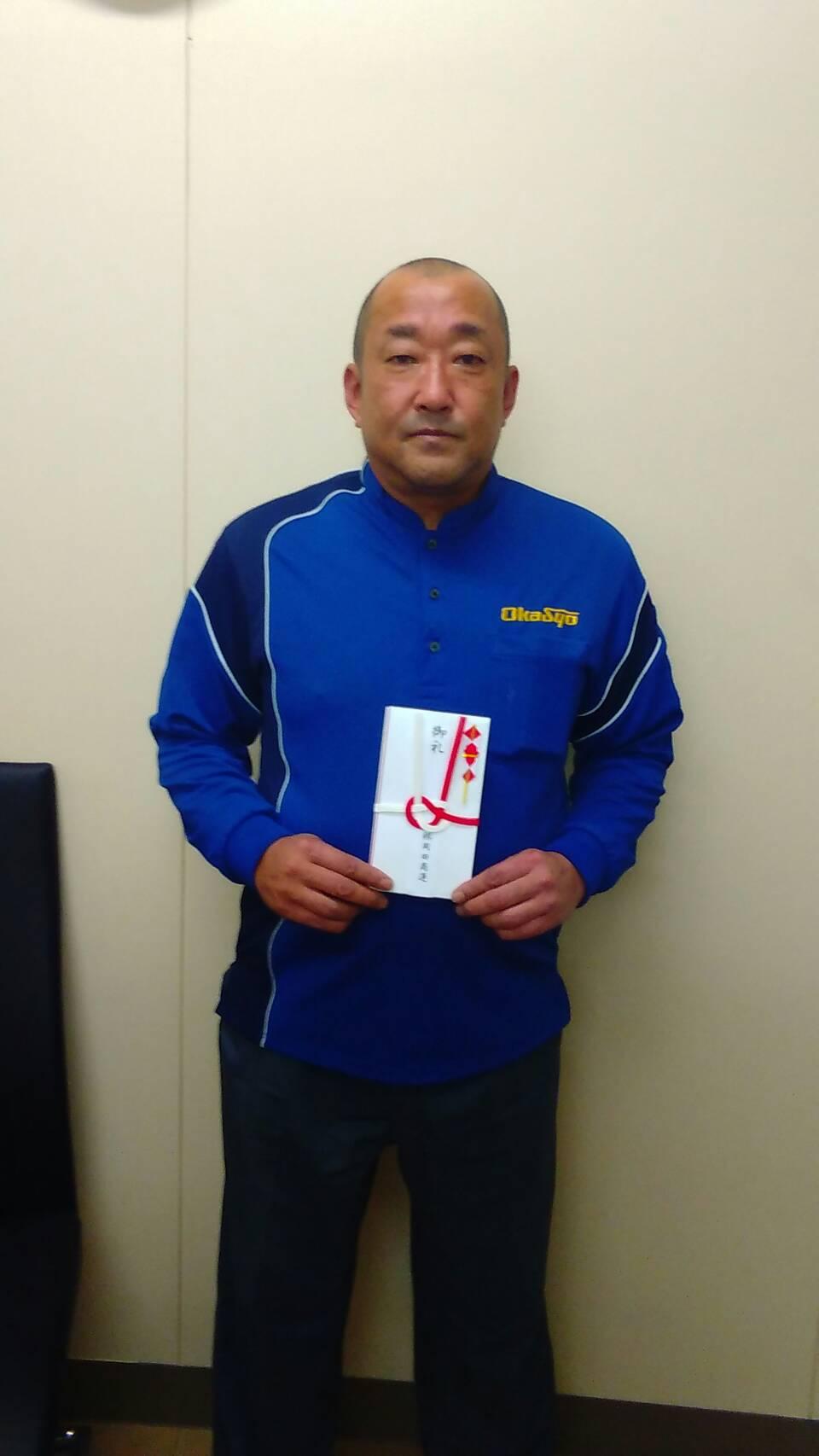 中村仁ドライバーは、 鳥栖営業所の石橋達生ドライバーと穐山敏成ドライバーを紹介しました。