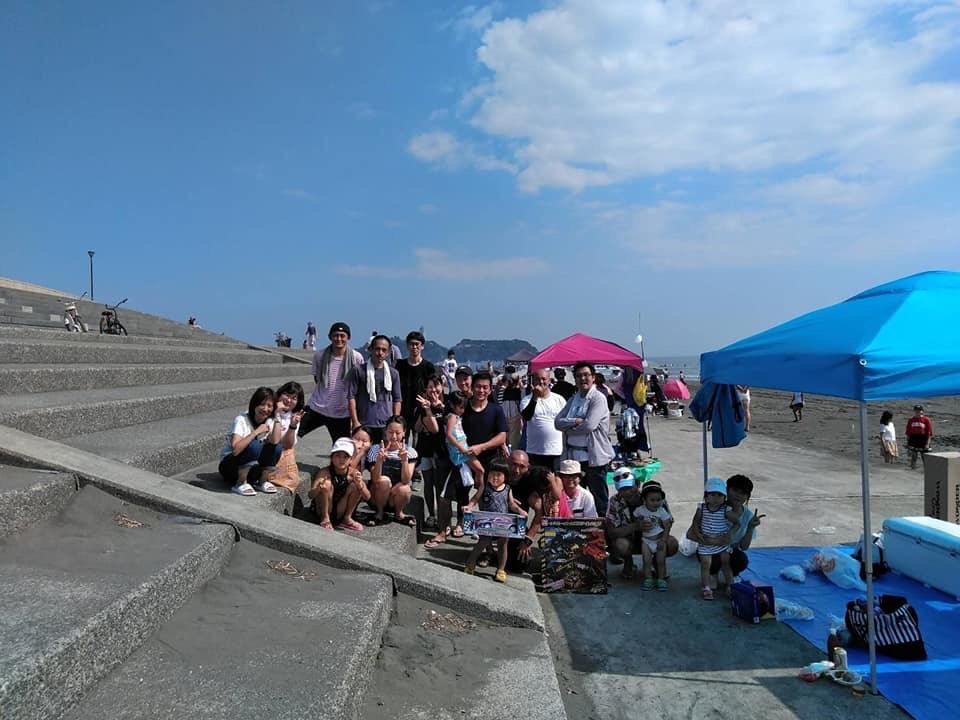 平成30年7月14日神奈川営業所で始めてのバーベキューを開催致しました。 神奈川営業所は神奈川県藤沢市に構え日本屈指の海水浴場茅ヶ崎海岸でバーベキュー致しました。 総勢30名集まり楽しくバーベキューが出来ました。 暑かったですが最高の場所でのバーベキュー来年も茅ヶ崎でしたいと思います。